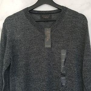 NWT Banana Republic merino wool v neck sweater
